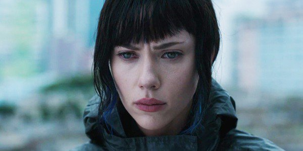 Scarlett Johansson semble contrariée par Ghost in the Shell