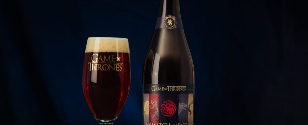 BC boit son Anosmiac Sorrows Away avec un jeu de thrones Beer