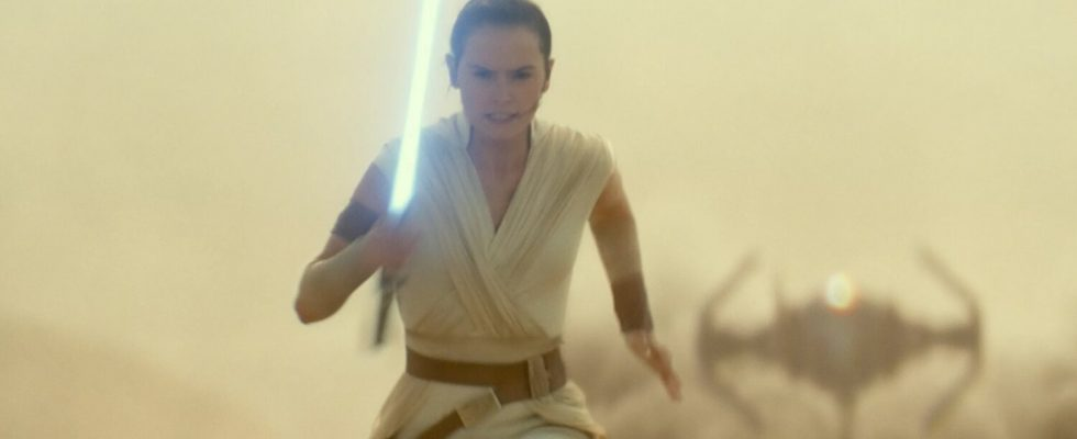 THE RISE OF SKYWALKER Writer discute des cadeaux de THE LAST JEDI et de Rey's Ending - GeekTyrant