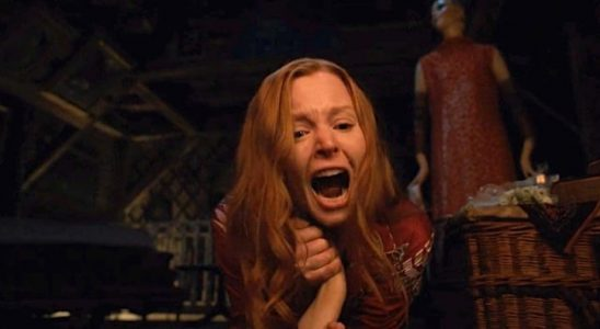 Lauren Ambrose In Servant